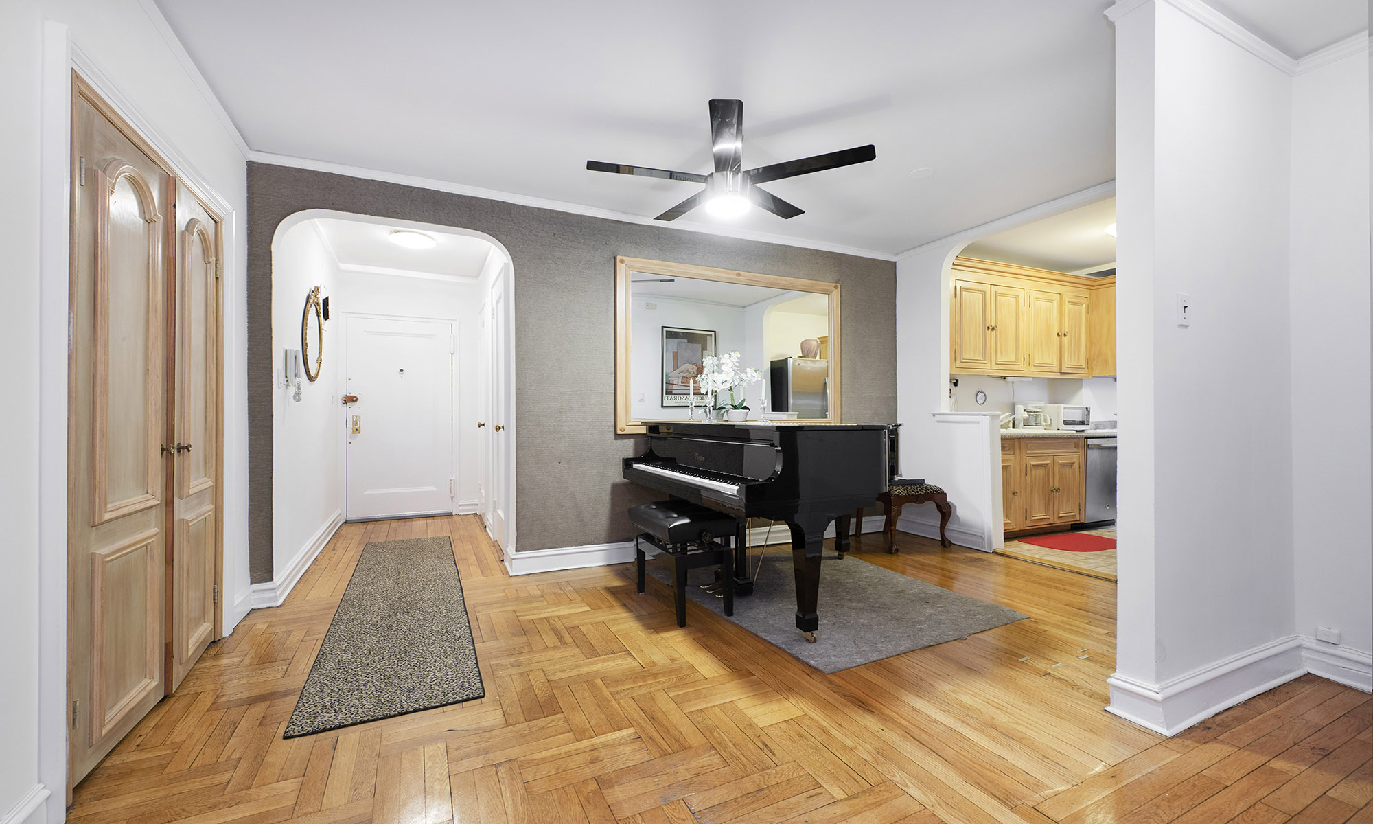 325 East 77th Street – Apt #1G